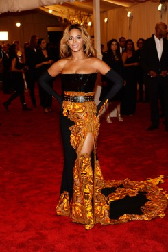 Beyonce_Givenchy