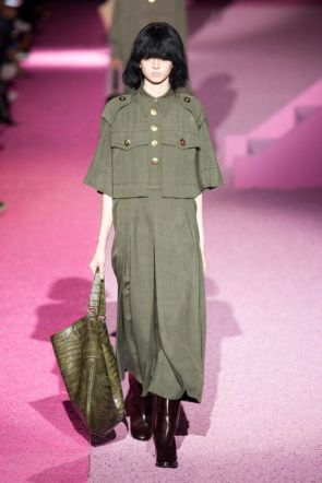 54bc1c03b998f_-_hbz-nyfw-ss2015-trends-military-style-01-jacobs-rs15-3047-lg